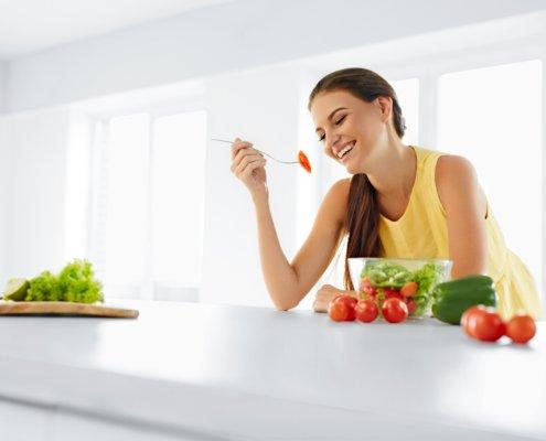 intervallfasten Frauen 1 495x400 - Intervallfasten 16:8 - Gesund abnehmen mit Plan